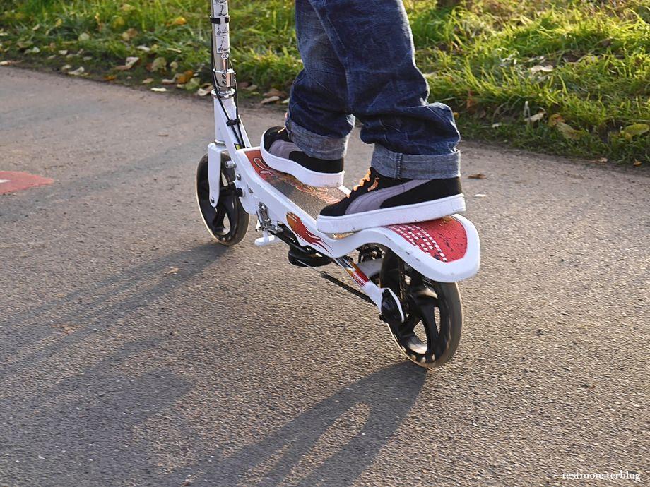 """Space Scooter…ein Roller mit """"Weltraumgefühl""""…"""