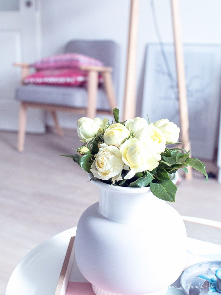 dreiraumhaus-urban-jungle-living-interior-interieur-flowers-blumen-living-7