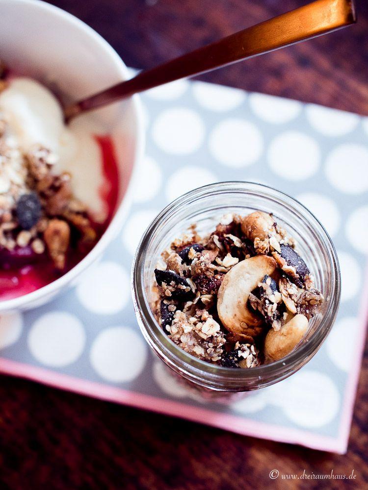 Rezept für unseren Montagsmampf: Joghurt, leckerstes Pflaumenkompott und Müsli aus dem Backofen!