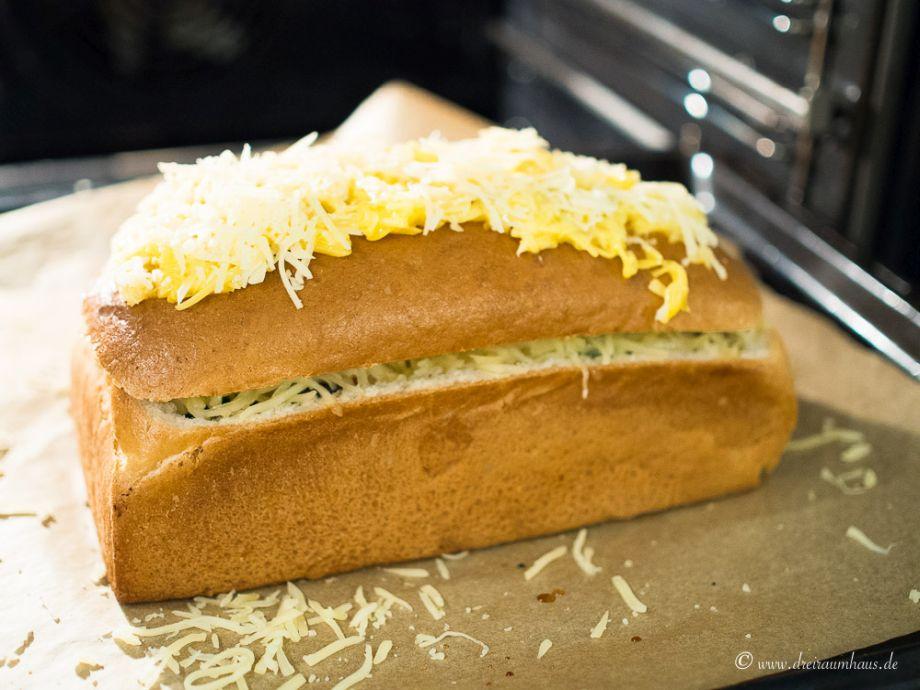 Das leckerste Brot mit Hackfleischfüllung - das leckerste Rezept im Yummie Freitagsmampf
