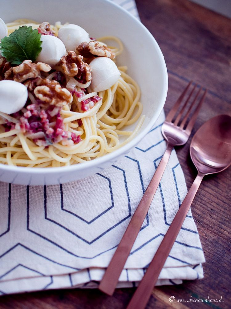 Spaghetti Gorgonzola mit Nüssen und Mozzarella - Rezept!