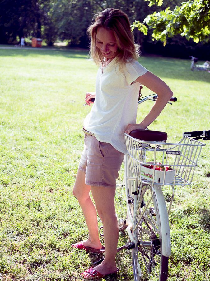 Urlaubsmomente in Leipzig! Sommer, Birkenstocks, ein Fahrrad, ne Picknickdecke und Unabhängigkeit mit Freixenet!