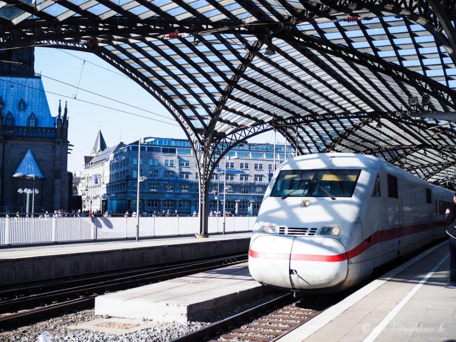 10 Tipps für die Bahnreise - So fährst du entspannt und günstig mit der Deutschen Bahn!