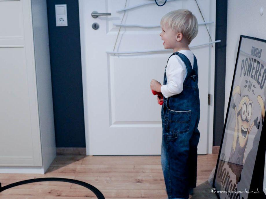 Wie man zu Weihnachten Kinderaugen leuchten lässt…Leo testet die Spielzeugeisenbahn von Märklin my World!