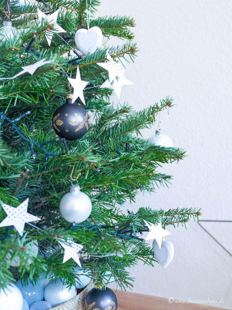 Mein Glück hängt nicht an Weihnachtskugeln...ein Weihnachtsbaum für den Neuanfang! Shop Weihnachtsdeko!