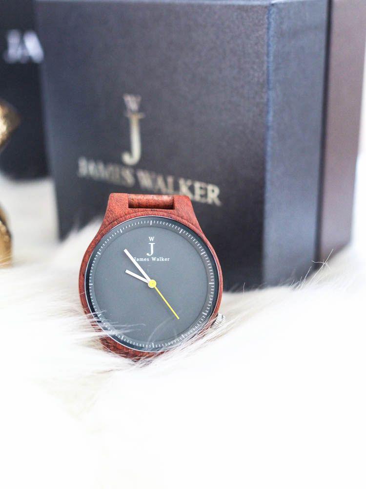 Geschenkeguide Weihnachten: Wie wäre es mit einer zauberhaften Armbanduhr aus Sandelholz? + ein Gewinnspiel!