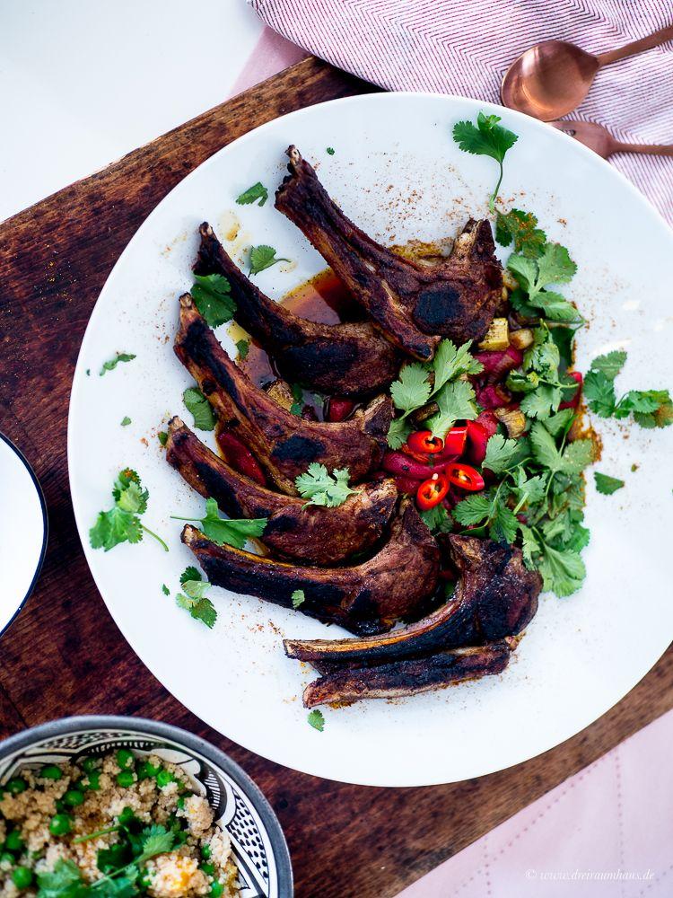 Rezepte die glücklich machen in 30 Minuten: Marokkanische Lammkoteletts mit Couscous, Orangen und Koriander! - Jamie Olivers 15 Minuten Küche!