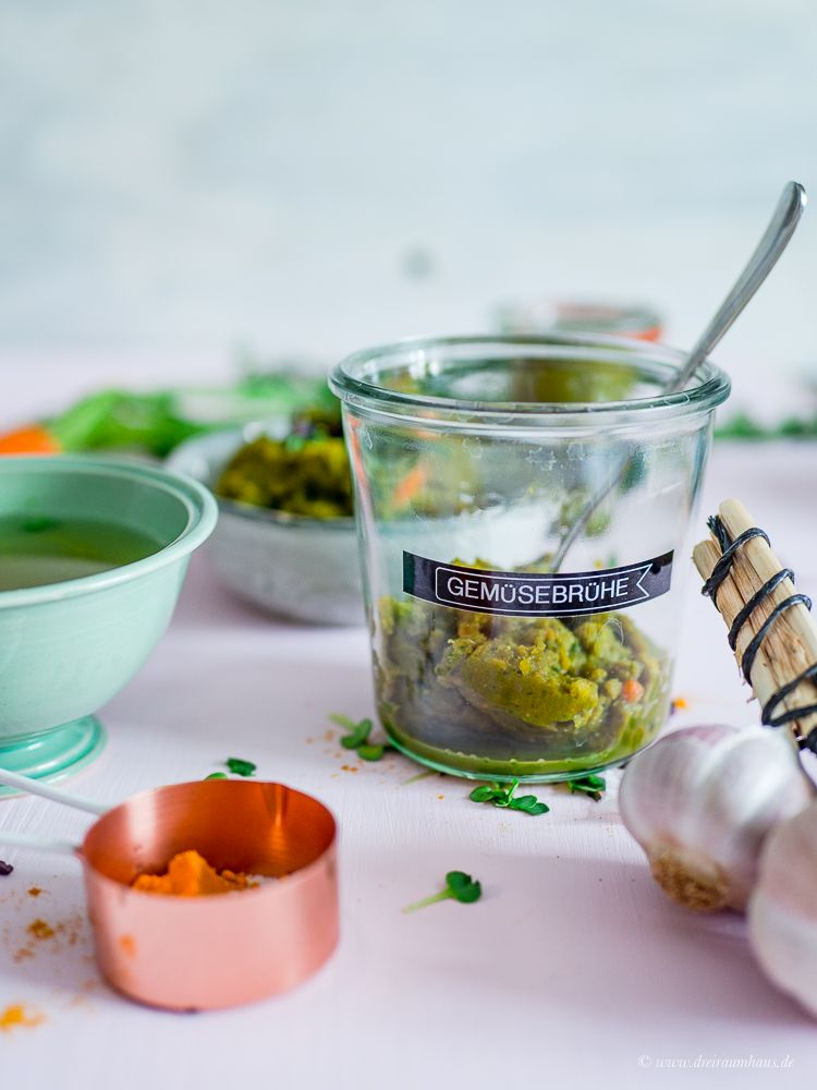 Gemüsebrühe Püree - Rezepte die glücklich machen - Basisrezepte!