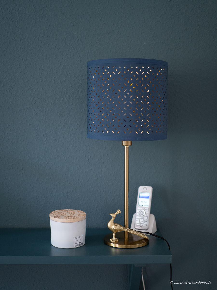Dekosamstag: Lichtplanung in kleinen Räumen! Die gemeine Tischlampe..... Dekosamstag: Ikea Hemnes Vitrine lackieren und mit Stoff beziehen! Möbel lackieren ohne abzuschleifen mit Farrow and Ball!