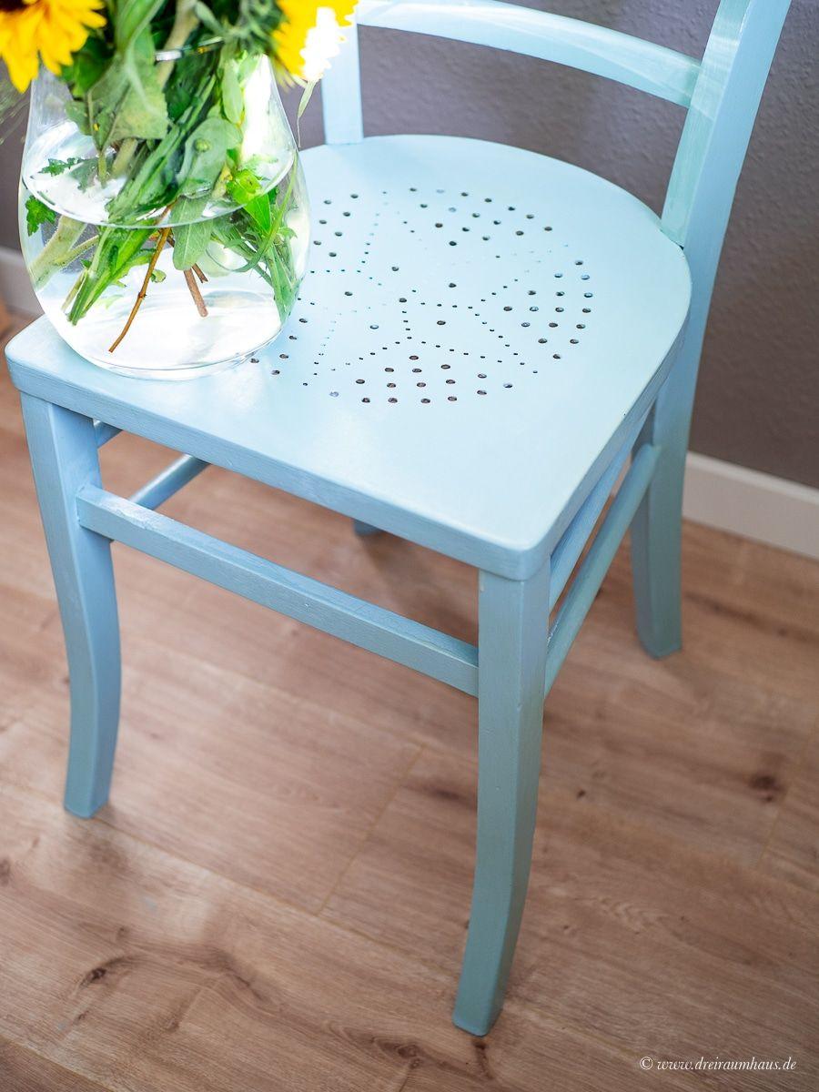 dekosamstag ein alter stuhl vom flohmarkt wird blau mit farrow and ball. Black Bedroom Furniture Sets. Home Design Ideas
