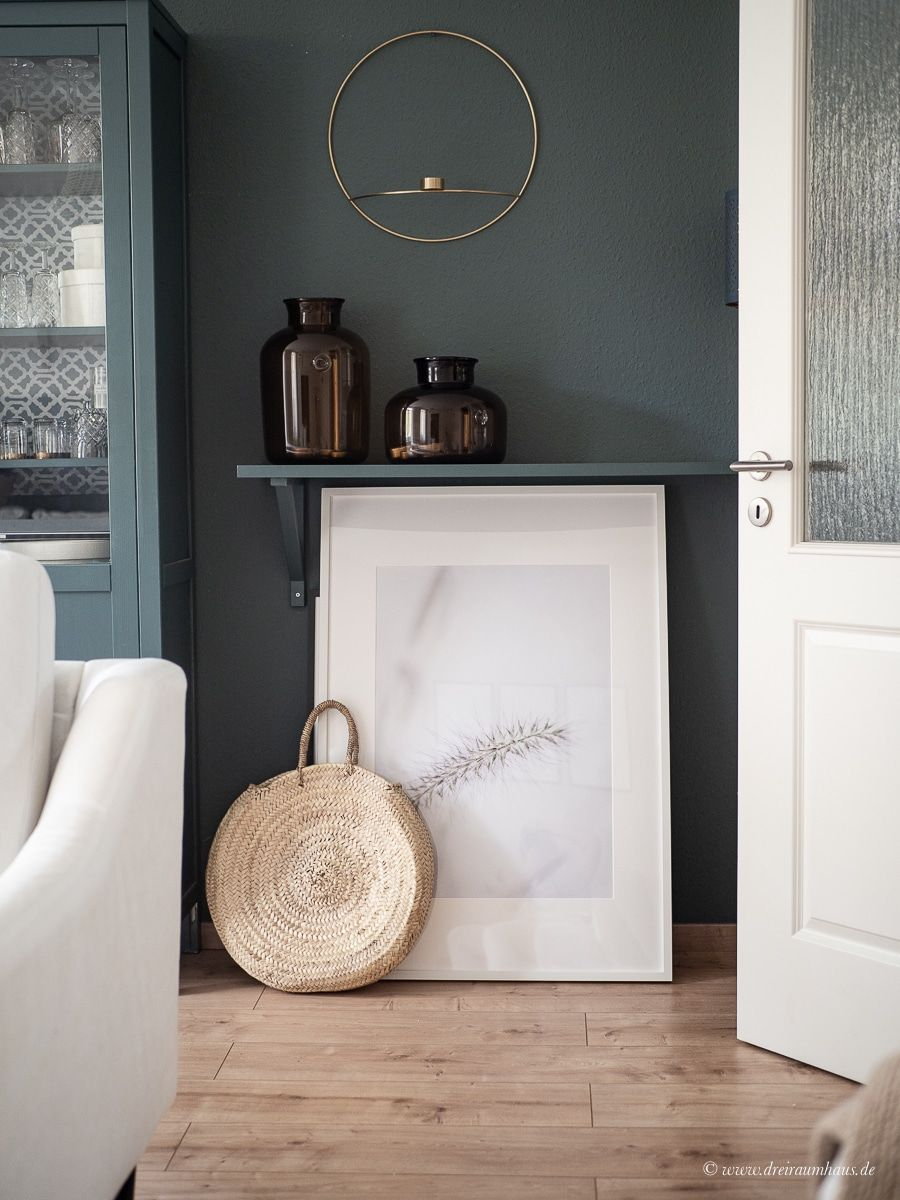 Dekosamstag: Große Bilder, kleine Räume oder warum es glücklich macht die eigene Arbeit an die Wand zu hängen! Ein Freebie!