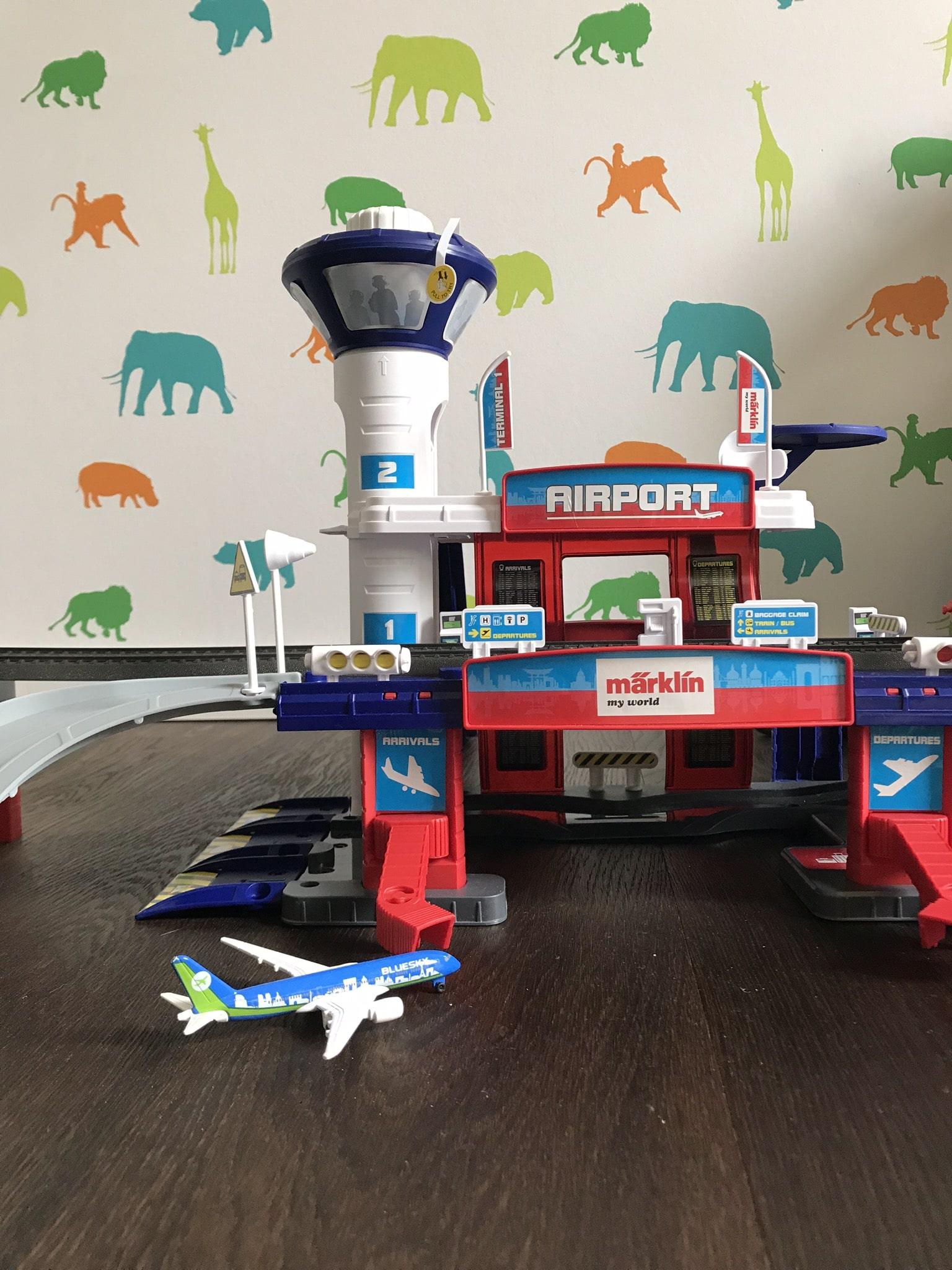 Unvergessliche Momente in Dubai, ein Flughafen für Leo und ein Gewinnspiel mit Märklin my world!
