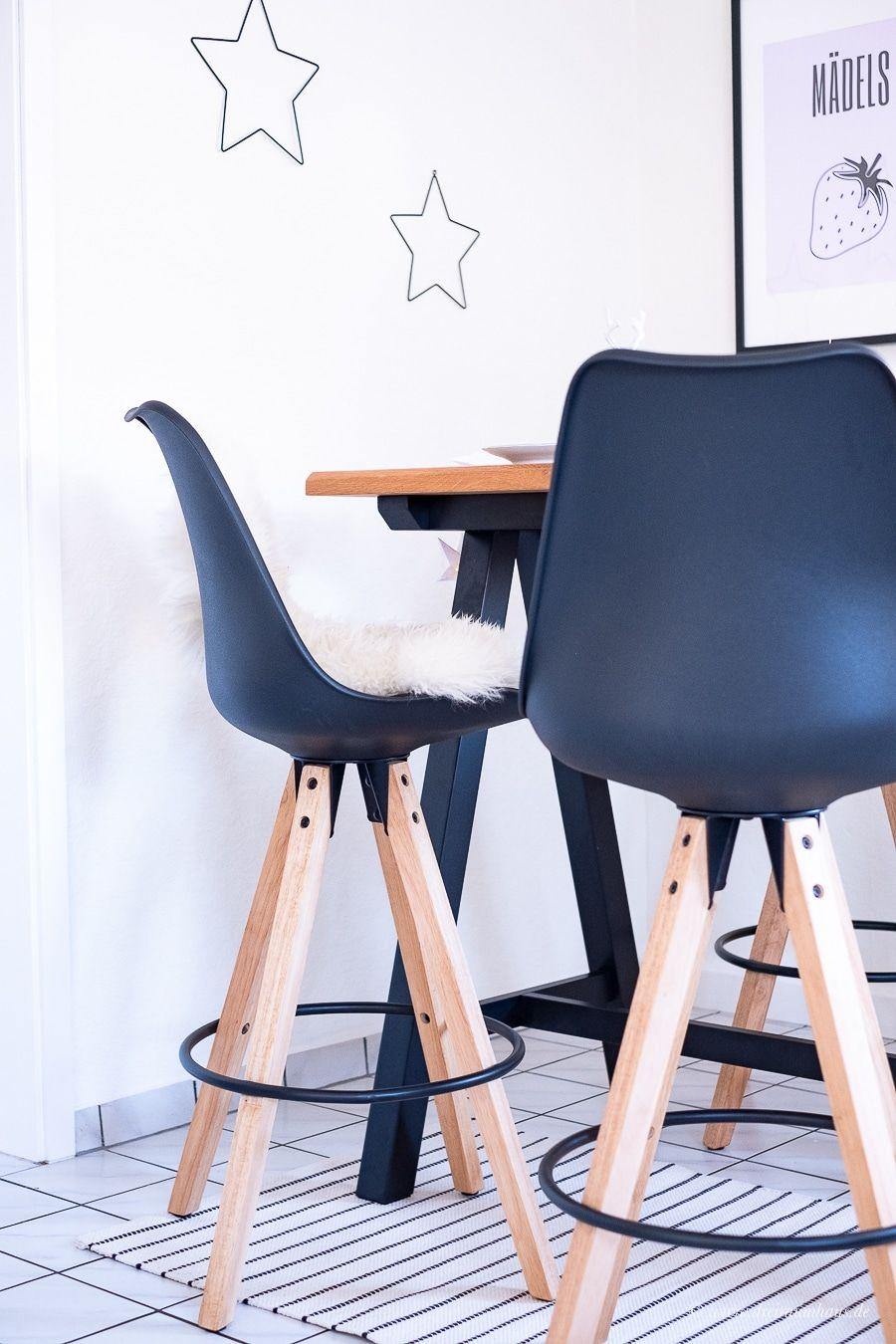 Küchenecke und Tisch-Dekoration im Dekosamstag: Wie ein Bartisch mit Barhockern hervorragend als Ecke in der Küche funktioniert! Dänisches Bettenlager!