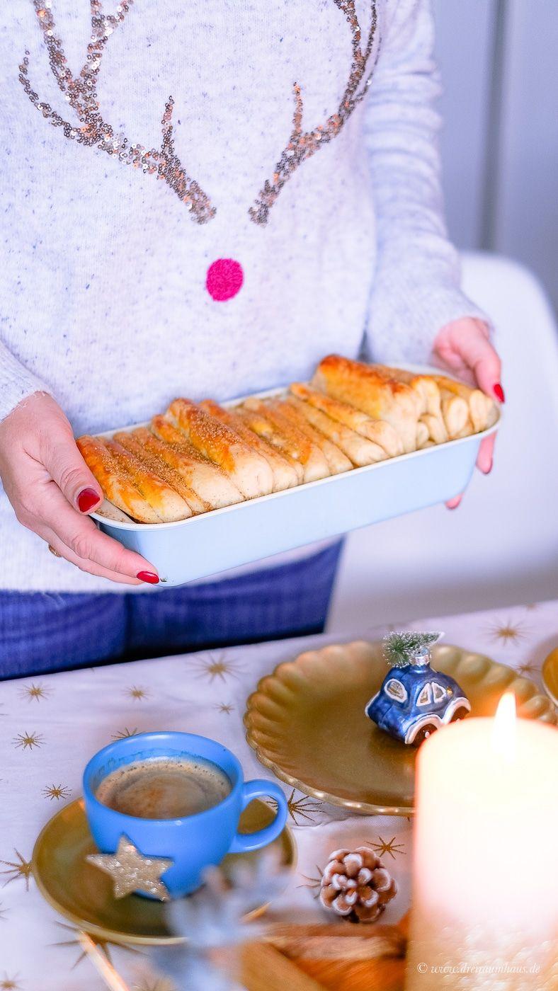 Ein süßes Faltenbrot, ein weihnachtliches Deko DIY mit Tassen und Sprühfarbe und eine festliche Kaffeetafel! Mit EILLES KAFFEE von Darboven!