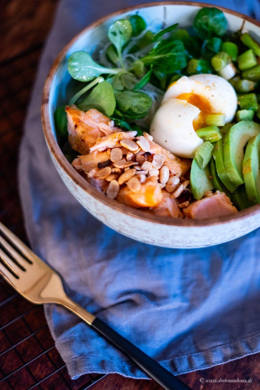 Motivationsmontag! Eine Soulfood-Bowl mit gezupftem Lachs und was macht eigentliche Deine Stoffwechselkur Andrea?