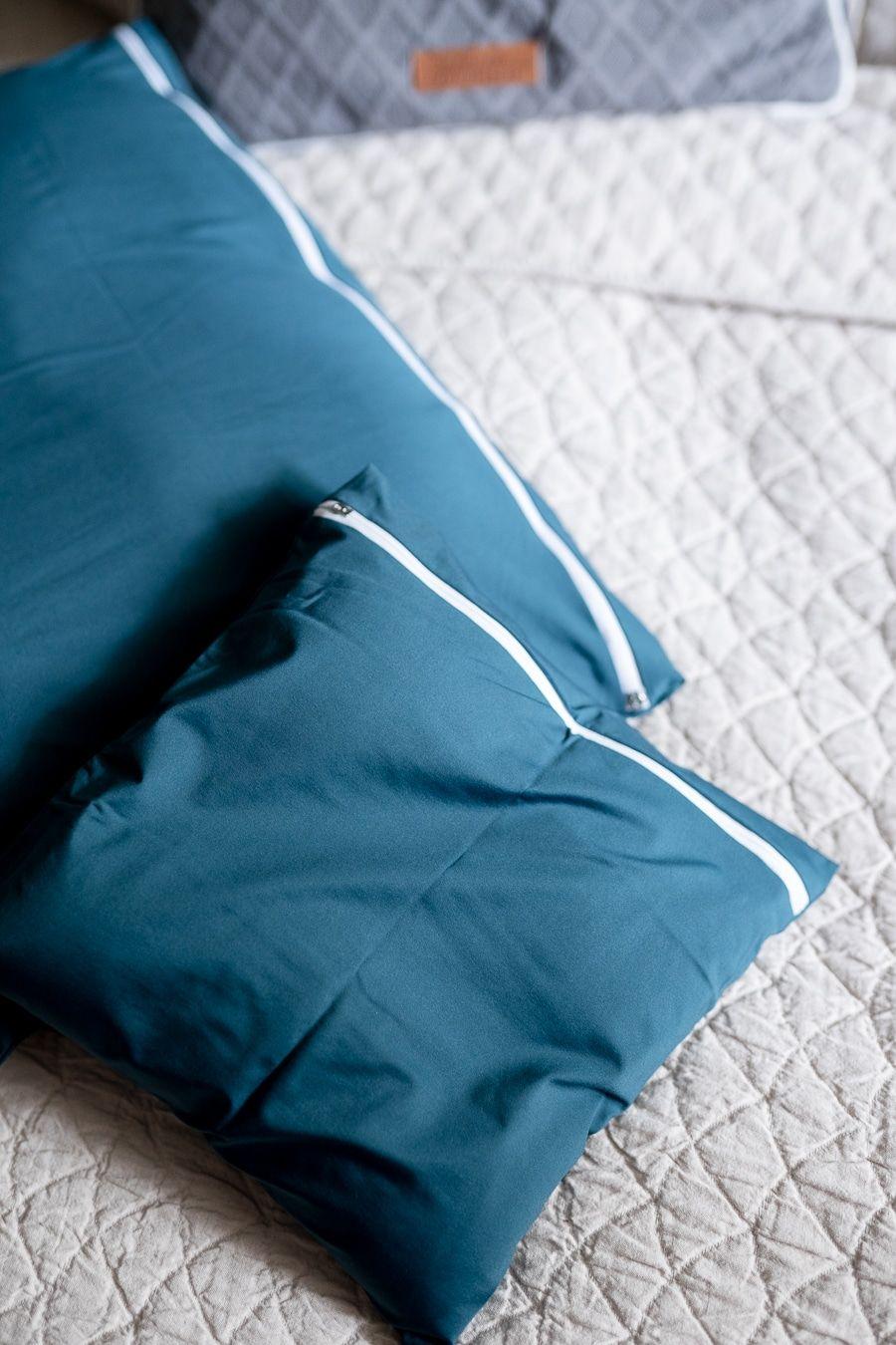 Dekosamstag: Little Greene für die Wand und iSURO Kopfkissen für den Kopf... Perfektion im Schlafzimmer!
