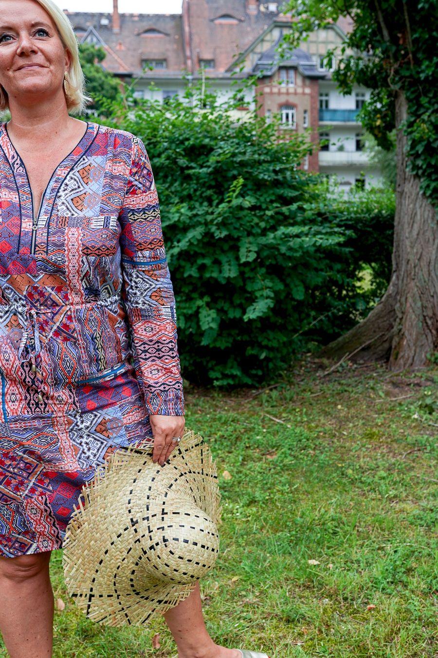 Ein bisschen Eat, ein bisschen Pray, ein bisschen Love... auf Bali. Sommerfeeling mit einem Knallerkleid von Peter Hahn!