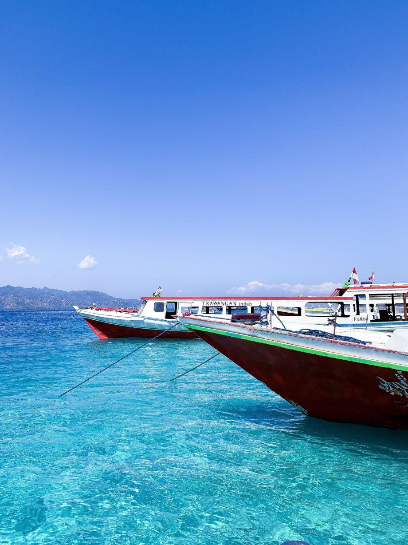 Wie geht Sicherheit vor und während einer Reise oder ein Erdbeben auf Bali... ADAC Reiserücktritts-Versicherung