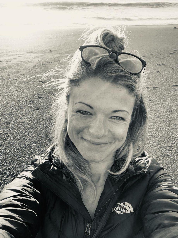 Wofür Lisa Apel in der Nacht aufsteht? Das Konfettihaus Team für Mallorca stellt sich vor. Happy Yoga mit Lisa Apel beim Konfettihaus Workshop auf Mallorca!
